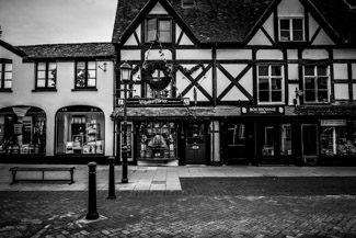 Magic Alley Ghost Hunt – £49