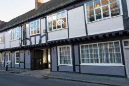 Ye Olde Ostrich Inn NEW YEAR DINNER & Ghost Hunt – £83